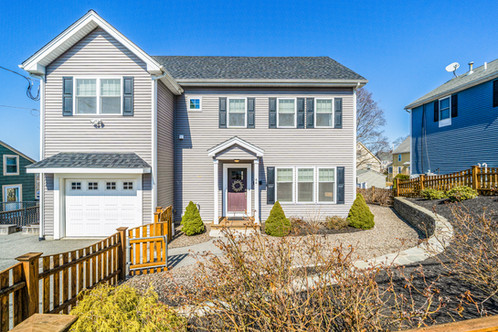 44 Park St. | Melrose, MA Listed at: $869,900  3 Beds 2F1F Beds 2,594 Sq. Ft.  Craving open concept living and three full levels of optimized space? Seeking a primary bedroom with en suite, plus an attached garage and amazing storage? This home boasts all of that in beautifully sunlit rooms of generous scale! Outstanding entertaining space awaits, with the proportions offering delineated spaces for living. The kitchen features stone counters, large dining|preparation peninsula, stainless appliances and a fantastic pantry, all primed for your next master-chef creation. Enjoy supper on the deck that hosts ample room for your dining table + outdoor living space. The upper level holds the primary bedroom (room enough for a sitting area) with en suite and walk-in closet, plus the main bath, two bedrooms and laundry room. The LL is a score - flex space galore with room to be used as a media room, office and play space, opening to the private backyard with substantial room for play and greenspace. Well-loved neighborhood, close to train/bus, recreation and downtown!