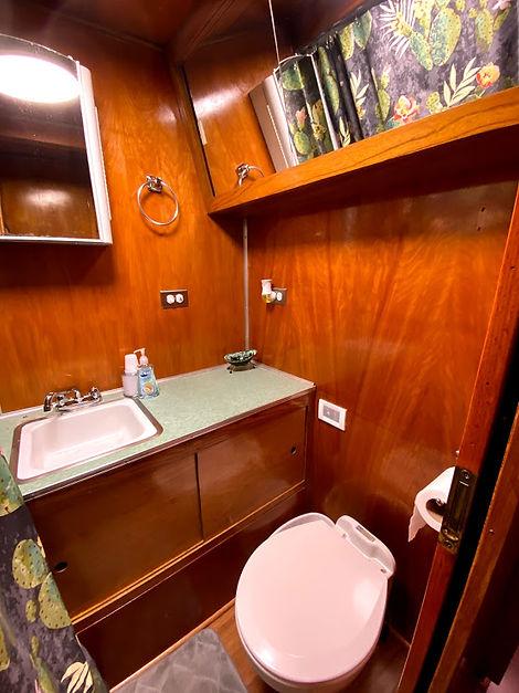 spartan tandem bathroom.jpg