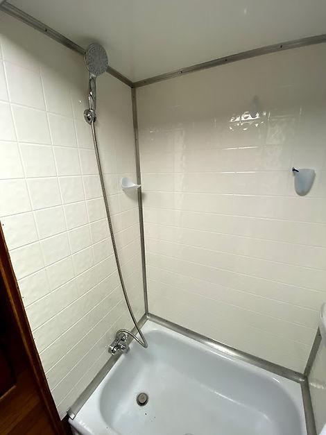 spartan tandem shower.jpg