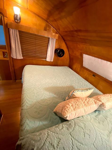 spartan tandem bed.jpg