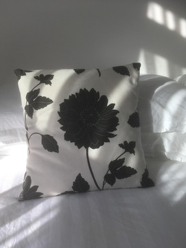 Envelope style cushion