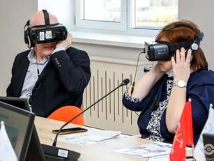 Состоялось внутрифирменное обучение по использованию иммерсивной технологии применения VR на уроке