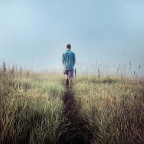 Gehmeditation - durch achtsames Gehen zur inneren Ruhe finden
