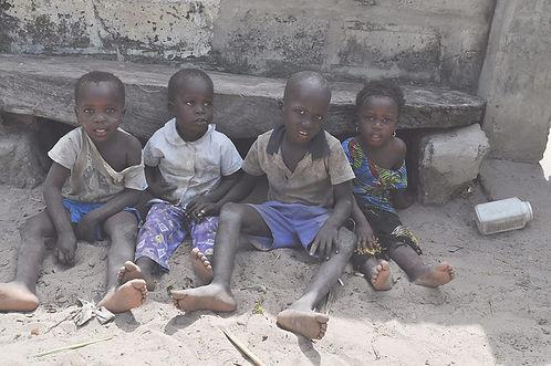 children-in-gambia-2_edited.jpg