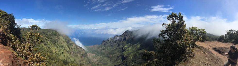 Kalalau-Lookout-Kauai.jpg