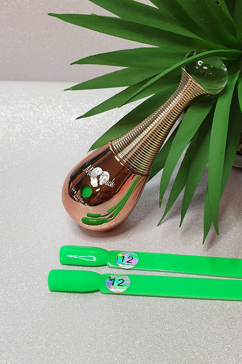 Highly pigmented Green UV gel polish