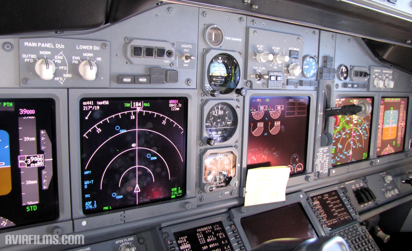 737-next-gen-cockpit