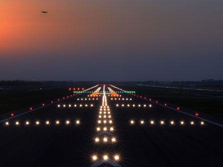 airport-runway-wallpaper-3