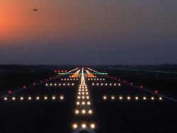 airport-runway-wallpaper-3