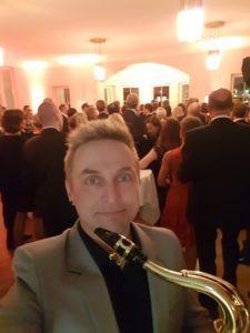 Taustamusiikkia juhlissa