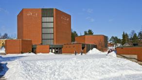 Striimikeikalla kirkossa