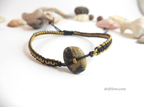 Dark Pebble Yellow-Black  Macramé Bracelet