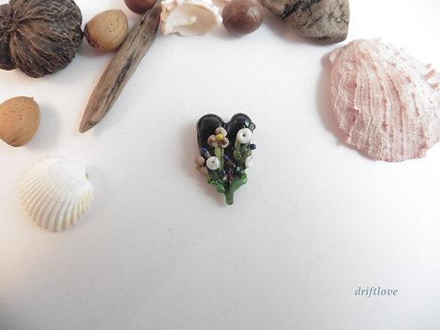 Black Heart Garden Bead/ Pendant