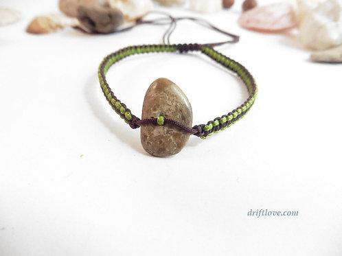 Pebble Brown-Green  Macramé Bracelet