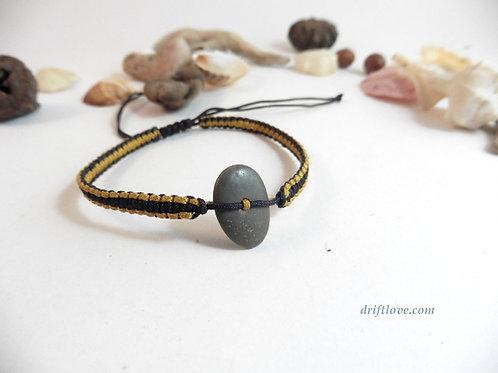 Pebble Yellow-Black  Macramé Bracelet