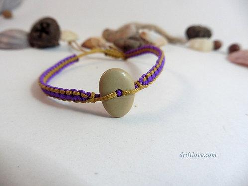 Pebble Yellow-Lila  Macramé Bracelet