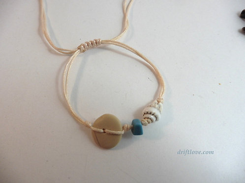 Delicate Bracelet with Turquoise and Pebble