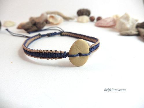 Pebble Yellow-Blue  Macramé Bracelet