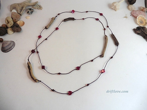 Long Driftwoods and Hearts Necklace