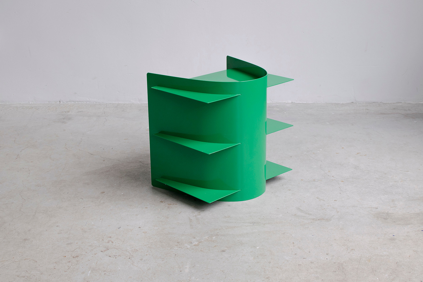 Tension side table