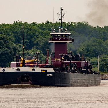 rag0924 C&D barge.jpg