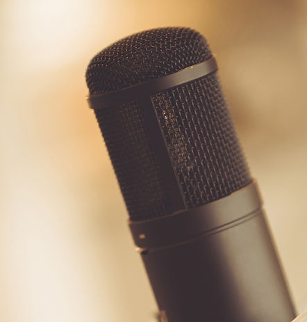 Tube%2520Microphone%2520in%2520Studio_ed