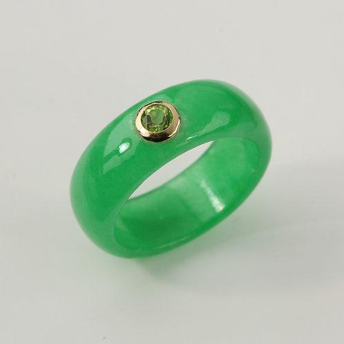 GREEN JADE BAND RING
