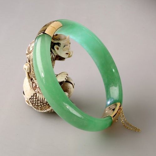 14K GOLD JADE BANGLE