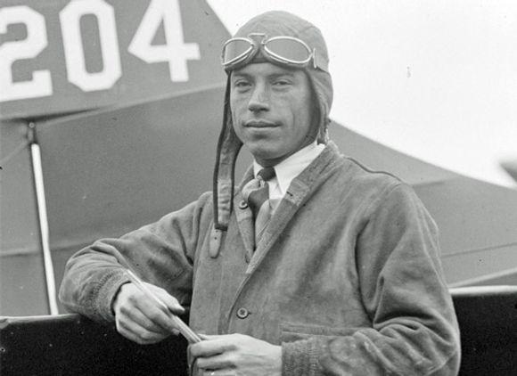 Wilmer-Stultz-in-front-of-airplane.jpg