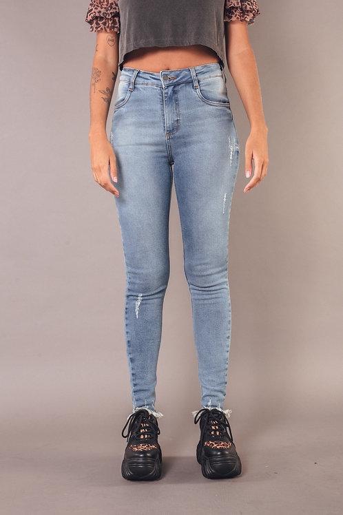 Calça Jeans Skinny Desfiada