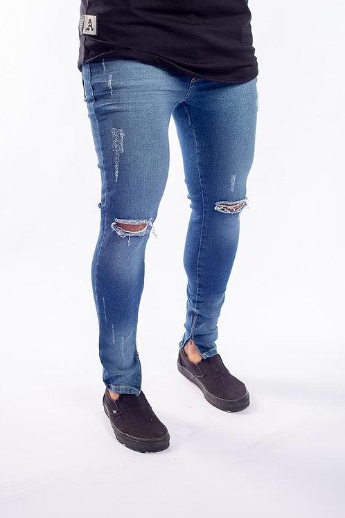 Calça Jeans Destroyed Media c/ zíper na barra 550