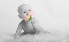 Flowerpower child (antatt).jpg