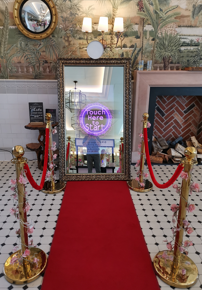 magic mirror photo booth hire