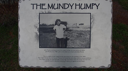 Mundy Humpy plaque