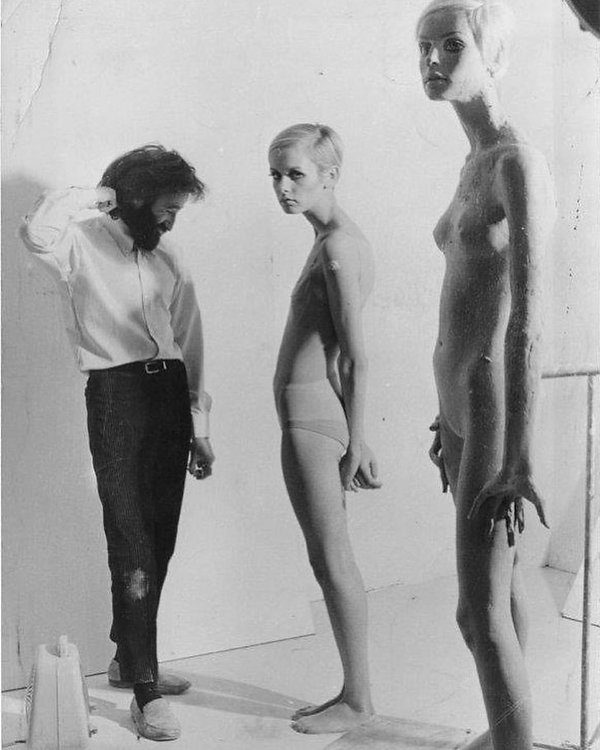 Twiggy Black & White with sculptor.jpg