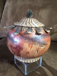 Helaku (sunny day) Gourd art
