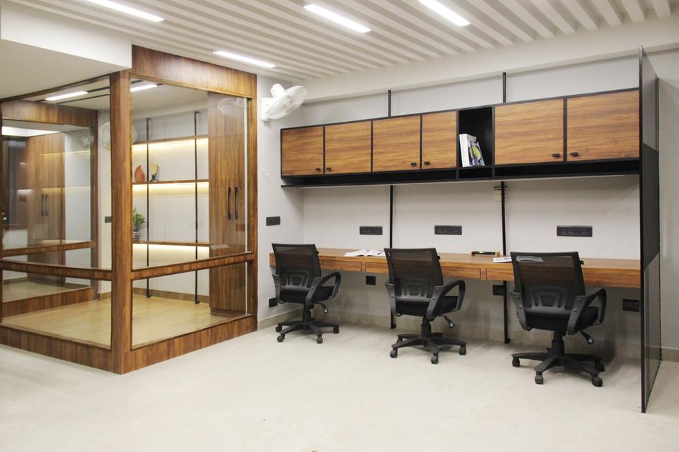 Workstation & Cabin 1