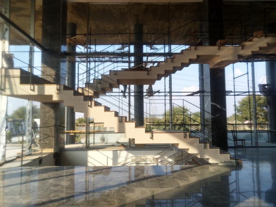 Reception folding staircase