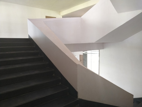 Triangulated staircase 2