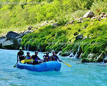 rafting tampaon river