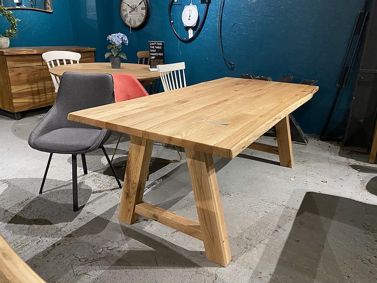 200 x 100 cm Wild oak table