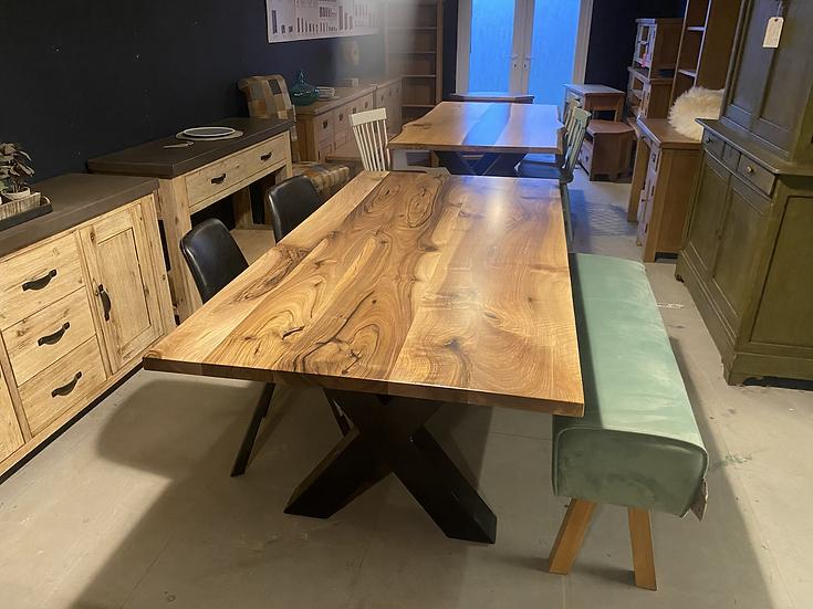 200 x 100 cm walnut dining table