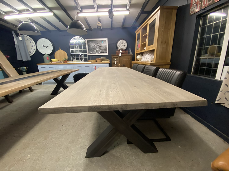 300 x 98 cm Oak Dining Table