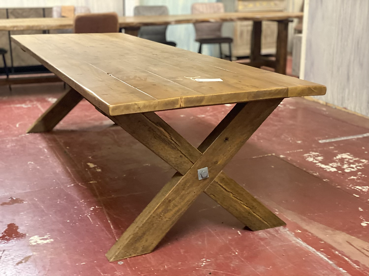 Reclaimed pine plank top table