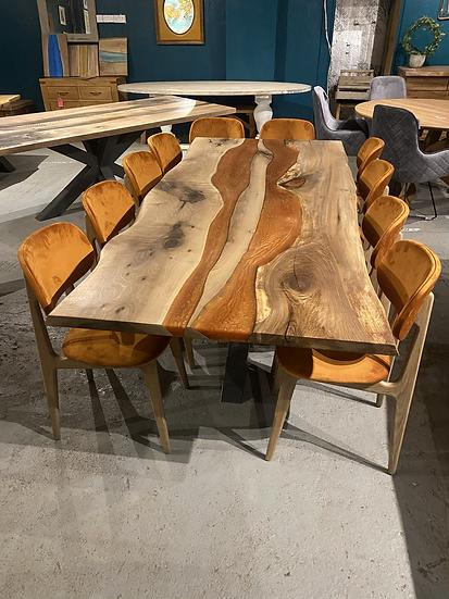 220 x 100 cm walnut dining table