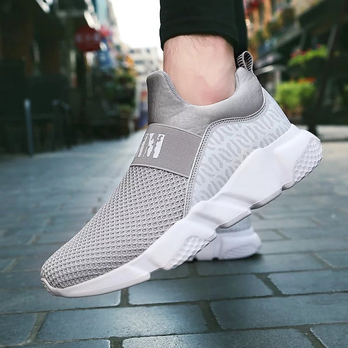Casual men's sports shoes