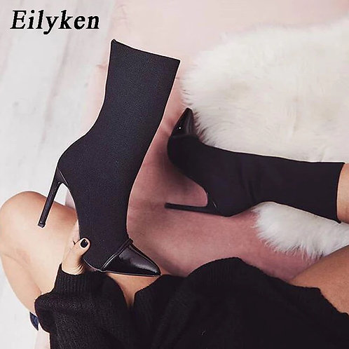 Ankle pointed boots