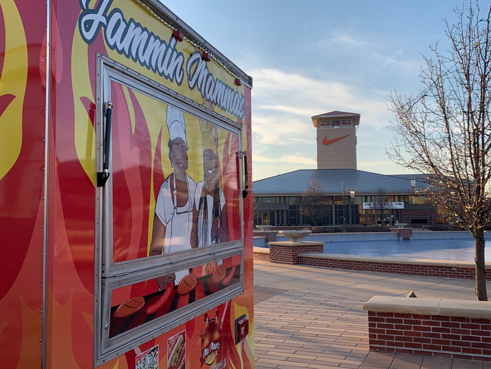 MaMaw's Kitchen Jammin Mammas Food Truck Is Now Located at The Chicago Premium Outlet Mall