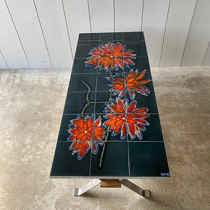 Ceramic table by ADRI 2