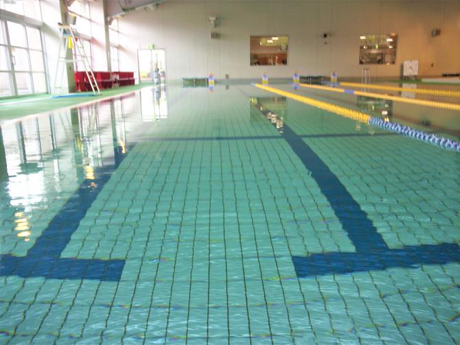 プール営業しています!!